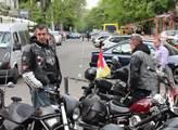 Ukrajinští motorkáři takovou pozornost jako Noční ...