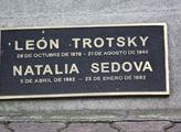 S druhou ženou Natalií Sedovou splodil dva syny
