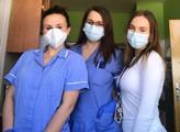 """""""Povinně"""" do první linie! Studentky vyslyšely výzvu hejtmana a nastoupily do nemocnice. Jedna měla smůlu na pacienta s koronavirem a teď..."""