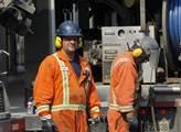 Dělníci opravující kanalizaci