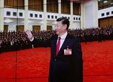 Billboardy a obrazovky s prezidentem ČLR Si Ťin-pc...