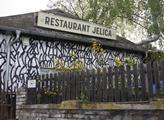 Zahrádka srbského restaurantu Jelica byla zavřena