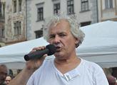 Sochař Petr Váňa chce repliku Mariánského sloupu n...