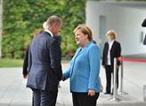 Merkelová vítězí. A Češi budou za hlupáky, uvedl exministr ODS