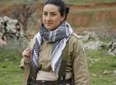 Ze základen v horách kurdské jednotky pešmergů, kt...