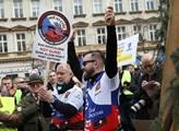 Manifestace proti omezení legalních držitelů zbran...