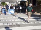 Výzva 'Svobodu pro politické vězně' před Güellovým...