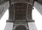 Monument je vysoký 51 metrů