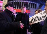 Protest Iniciativy SOS Transgas proti začínající d...