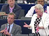 Jste otrokáři! Veteránka britské pravice rozbouřila Evropský parlament
