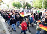 Občanský protest v Berlíně k  výročí německého zno...