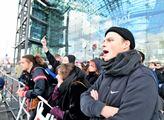 Kromě občanského protestu dorazila také levicová A...