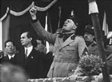Vychází majestátní příběh Benita Mussoliniho, nejdiskutovanější italský román posledních let. Četli jsme jej