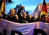Chemnitz týden poté- čelo  průvodu