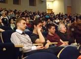 Studenti odcházejí za hranice. Kvůli kariéře střídají i několik zemí