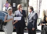 Vicepremiér Andrej Babiš se starostou a místostaro...