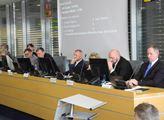 Jednání o Nové krajské Baťově nemocnici na zasedán...