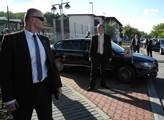 Prezidentova ochranka před limuzínou