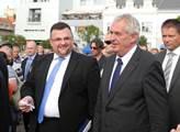 Prezident Zeman s šéfem hradního protokolu Jindřic...
