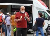 Lidé si chodili pro zmrzlinu
