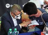 Autogramiáda premiéra, předsedy hnutí ANO Andreje ...