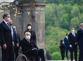 Miloš Zeman čeká na příjezd srbského prezidenta Al...
