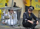 Demonstrace hnutí Falun Gong proti odebírání orgán...
