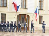 Slavnostní střídání stráží na Pražském hradé o stá...