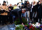 Předseda ODS Petr Fiala u památníku 17. listopadu ...