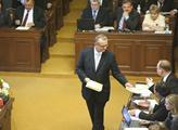 Ve sněmovně se schyluje k hlasování o důvěře vládě