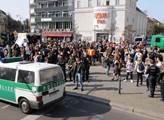 Demonstrace německého hnutí Antifa na náměstí Anto...