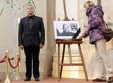 Ostatky Václava Havla byly vystaveny v kostele sv....