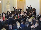Mimořádná schůze Sněmovny kvůli memorandu o lithiu...