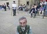 Důchodci demonstrovali proti vládě