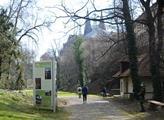 Pražský hrad otevřel zahrady, Jelení příkop a zruš...