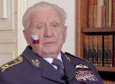 FAEI.cz: Nikdy bych neměnil, říká pamětník letecké bitvy o Británii generálmajor Boček