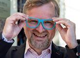 Proč ze sebe děláte kašpara? Petr Fiala nasadil nové brýle. Padla velká slova o Česku. Jenže ne každý to uvítal