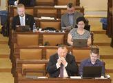 Sněmovna přijala usnesení, kterým podpořila, že r...