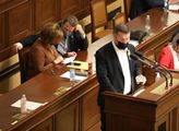 Ve sněmovně se projednávalo vyhlášení nouzového st...