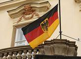 Německo: Panelák hrůzy. Ze 700 lidí 120 nakažených. Zavřeli je tam, oni chtěli ven. Dopadlo to zle