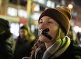 Pochod proti zabíjení vánočních kaprů. Akce se kon...