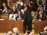 Jednání sněmovny. Zařazení nových bodů do programu...