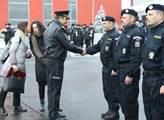 Slavnostní odjezd 15 policistů na zahraniční misi ...
