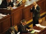 Vláda premiéra Sobotky poprvé zasedala v poslaneck...