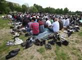 Na Letnou za ministerstvo vnitra svolali muslimové...