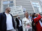 Protest proti Babišově vládě podporované komunisty...