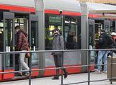 Vedení Prahy chce šetřit na veřejné dopravě. Rušení autobusových linek, méně tramvají