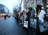 Tichá ulička za kapry. Protest proti vánočnímu zab...