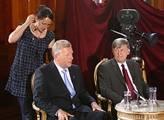 Vláda se dohodla s církvemi: 17 let přechodné odluky