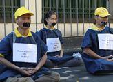 Happening stoupenců meditačního hnutí Fa-lun-kung ...